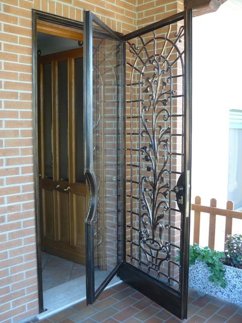 Casa moderna roma italy porte in ferro prezzi - Porte finestre in ferro ...